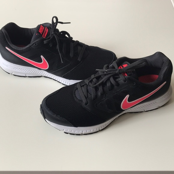 Nike Downshifter 6 Running Shoe 9